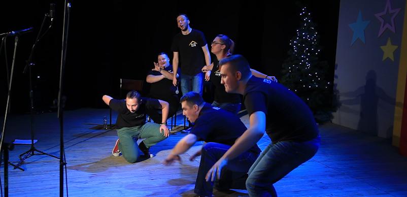 Nowy Tomyśl: Kurnik Impro na scenie