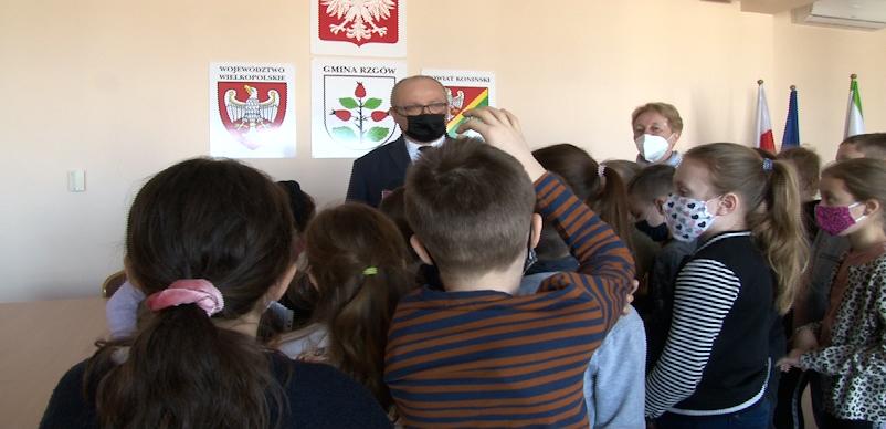 Miś Igor gościem Szkoły Podstawowej w Sławsku