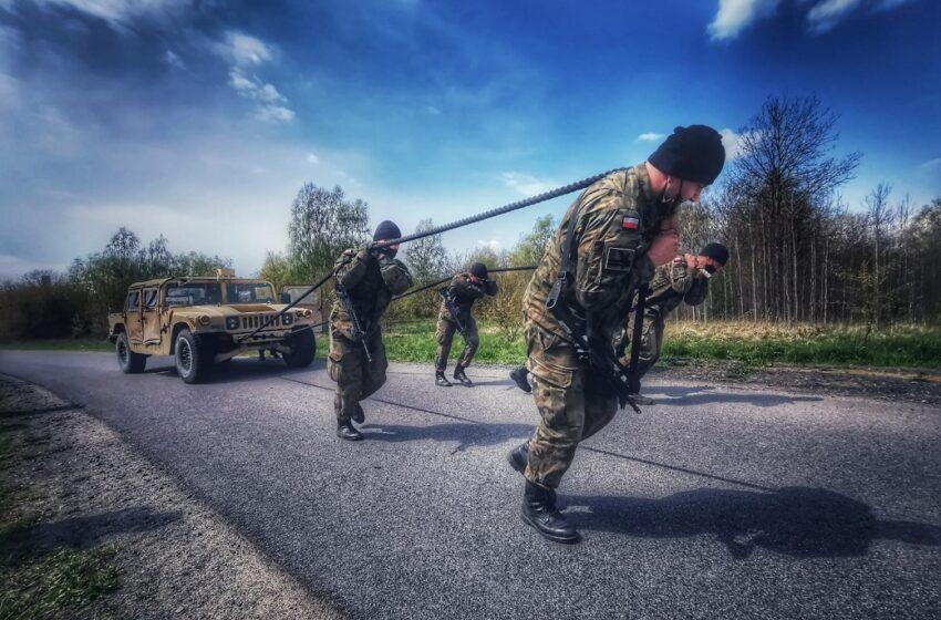 Amerykańscy i polscy żołnierze walczyli o ostrogi