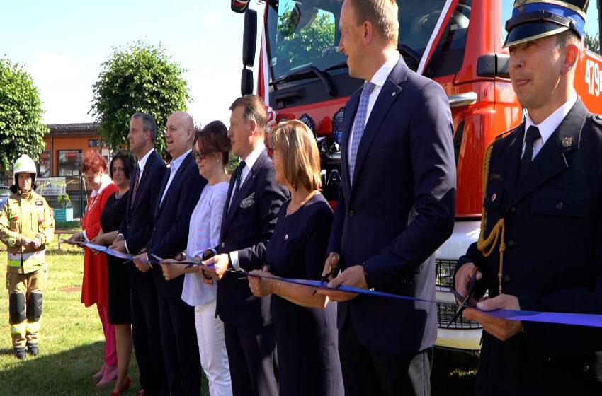 Strażacy ochotnicy z Grzegorzewa świętują czyli uroczyste przekazanie nowego wozu bojowego