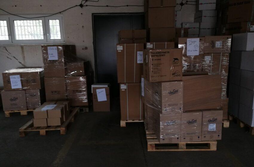 Kolejne dostawy sprzętu medycznego do szpitali
