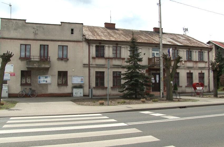 GRODZIEC: Budynek urzędu popada w ruinę – wójt apeluje o pomoc