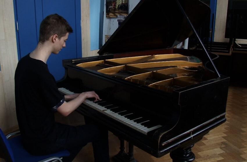 Zabytkowy Fortepian Bechsteina
